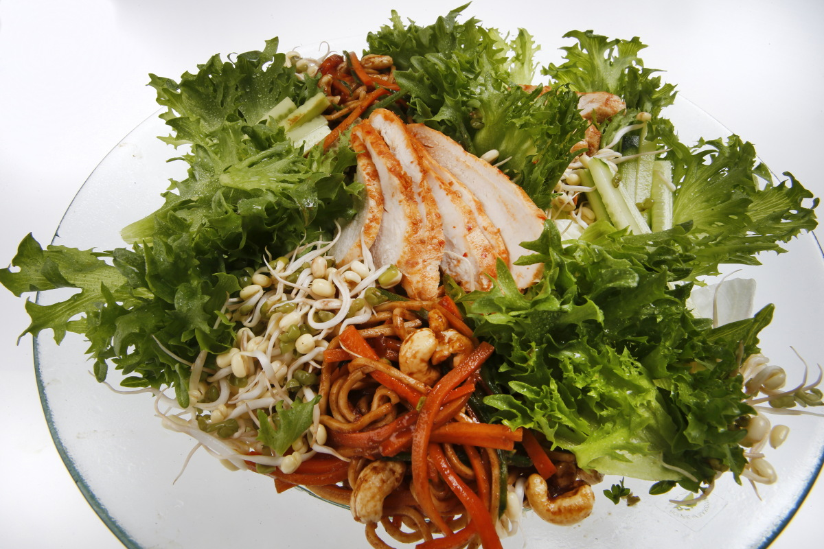 ORIENTAL CHICKEN SALAD (L)