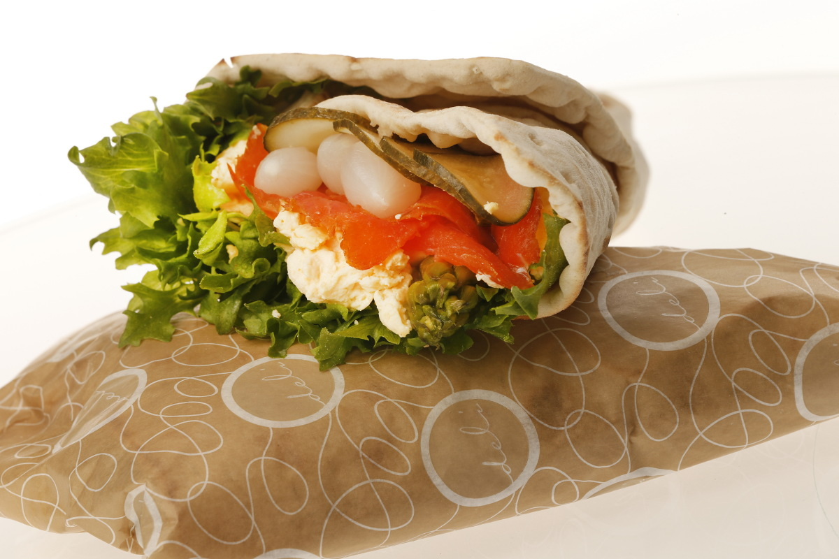 SMOKED SALMON WRAP (L)