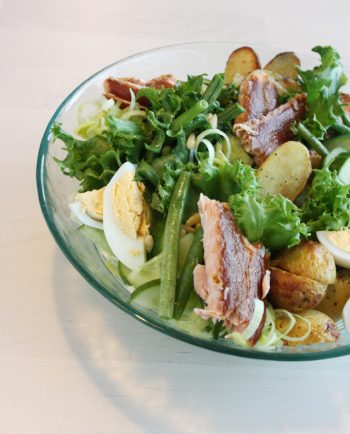 SMOKED SALMON & ROASTED POTATOES SALAD (L,GL)
