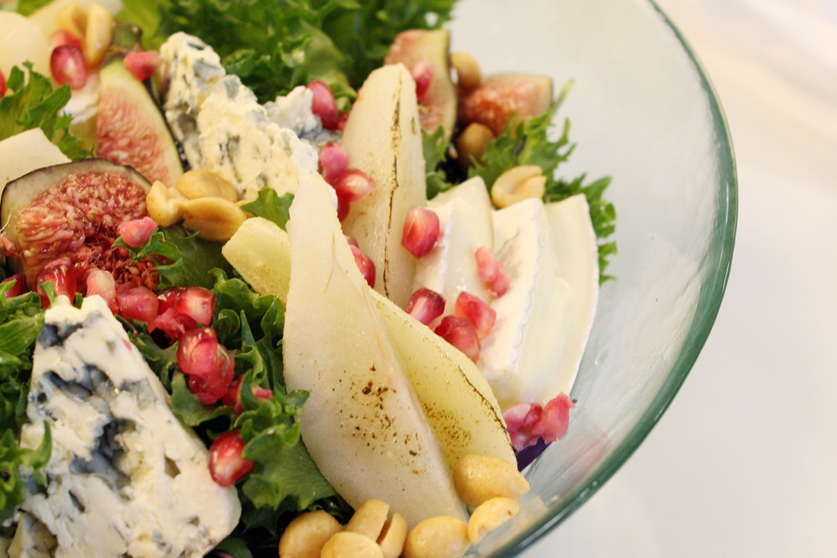 WINTER PEAR SALAD WITH BLUE CHEESE & BRIE